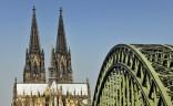 Kölner Dom verschneit