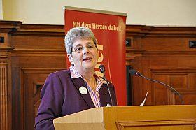 BVGD-Vertreterin Ingrid Schwoon bei der Auftaktveranstaltung im Festsaal des Stadthauses Halle