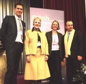 WFTGA-Tagung 2015 in Prag, Foto v. li.: G. Reichlmayr (BVGD), F. Wressnig (WFTGA), R. Alvestad-Aschenbrenner (MGV), Dr. S. Voleman (Gästeführerverb. Tschech. Republik)
