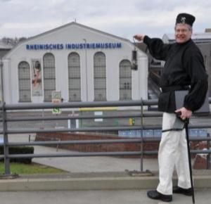 """""""Steiger Jupp"""" vor dem LRV-Industriemuseum"""